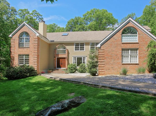 4 bed 5 bath Single Family at 19 Helen St Warren, NJ, 07059 is for sale at 879k - 1 of 25