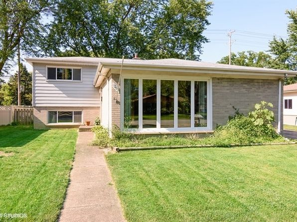 3 bed 2 bath Single Family at 1208 W Busse Ave Mount Prospect, IL, 60056 is for sale at 310k - 1 of 15