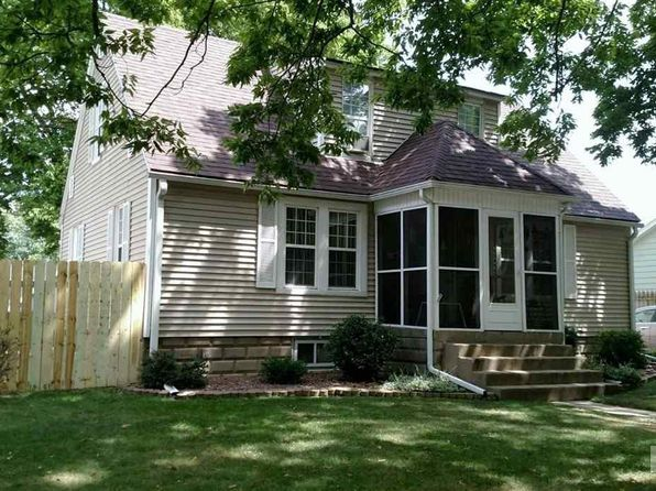 3 bed 2 bath Single Family at 1112 S 9th St Pekin, IL, 61554 is for sale at 107k - 1 of 16