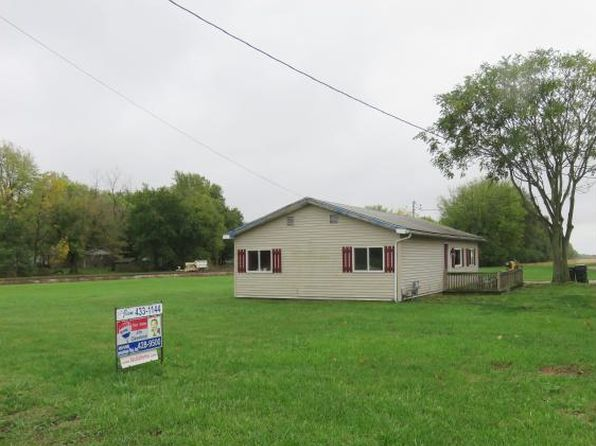 3 bed 1 bath Single Family at 100 W Glenn St Macon, IL, 62544 is for sale at 57k - 1 of 14