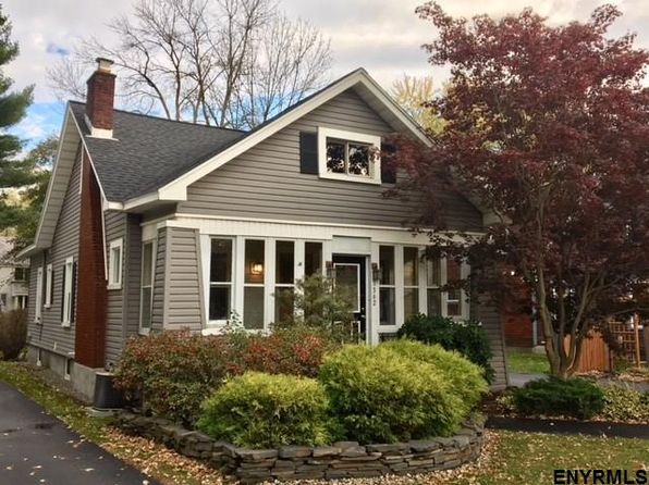 3 bed 2 bath Single Family at 1362 Regent St Niskayuna, NY, 12309 is for sale at 215k - 1 of 23