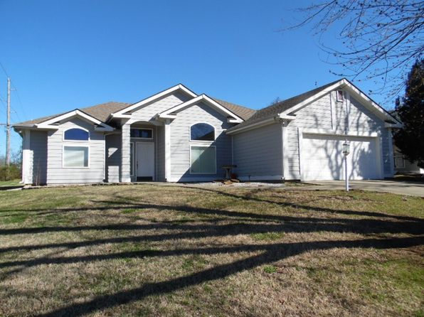 3 bed 2 bath Single Family at 1224 W Wight St Nevada, MO, 64772 is for sale at 160k - 1 of 13