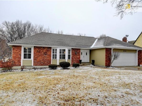3 bed 3 bath Single Family at 906 SAINT ANDREWS DR KANSAS CITY, MO, 64145 is for sale at 300k - 1 of 23