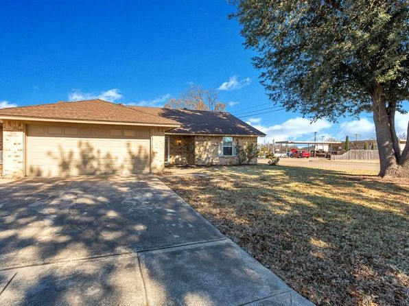3 bed 2 bath Single Family at 8800 Las Vegas Ct Fort Worth, TX, 76108 is for sale at 158k - 1 of 26