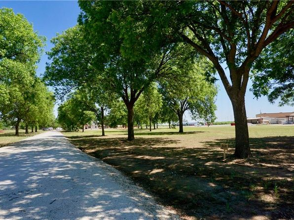 3 bed 2 bath Single Family at 857 Kelley Ln Tuscola, TX, 79562 is for sale at 184k - 1 of 18