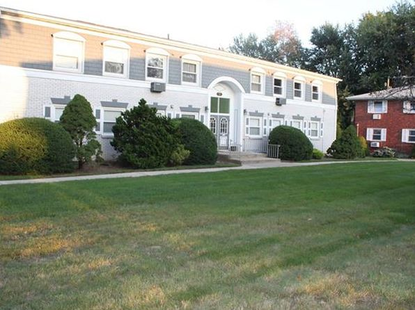2 bed 1 bath Condo at 11 Normandy Clarkstown, NY, 10954 is for sale at 220k - 1 of 22