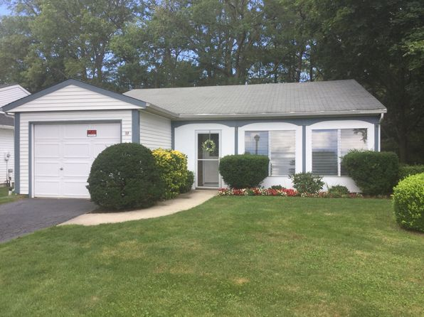 2 bed 1 bath Condo at 185 Canterbury Dr Ridge, NY, 11961 is for sale at 240k - 1 of 18