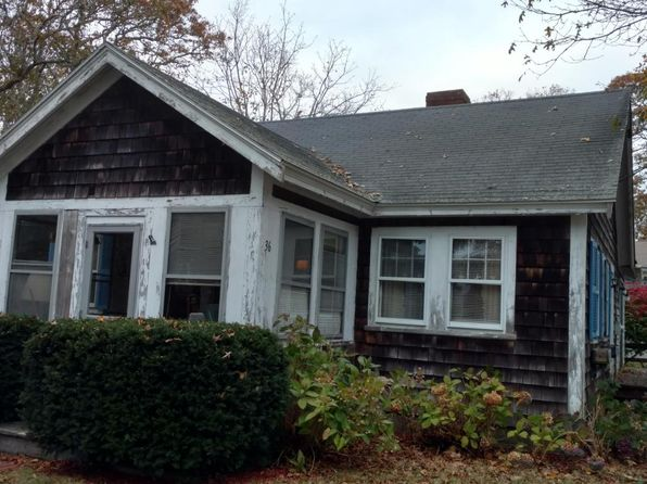 2 bed 1 bath Single Family at 36 Pine St Harwich Port, MA, 02646 is for sale at 475k - google static map