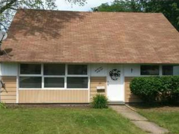 4 bed 1 bath Single Family at 2141 Wichert Dr Cuyahoga Falls, OH, 44221 is for sale at 95k - 1 of 12
