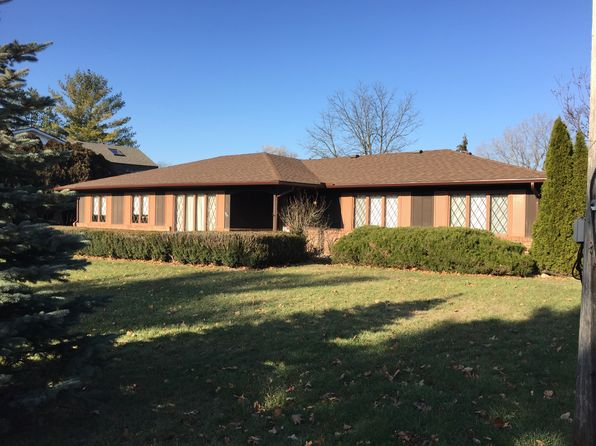 3 bed 2 bath Single Family at 3370 Ramada Dr Highland, MI, 48356 is for sale at 418k - 1 of 10