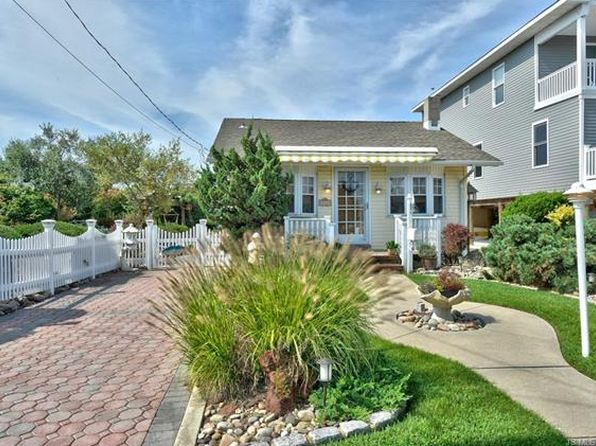 1 bed 1 bath Single Family at 240 W 20TH ST SHIP BOTTOM, NJ, 08008 is for sale at 569k - 1 of 36