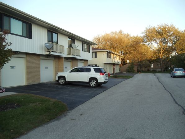 2 bed 1 bath Condo at 1312 Forestdale Ct Schaumburg, IL, 60193 is for sale at 152k - 1 of 19