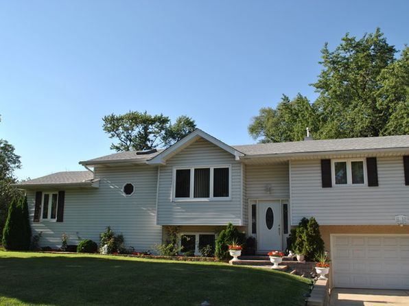 3 bed 3 bath Single Family at 22W630 Armitage Ave Glen Ellyn, IL, 60137 is for sale at 285k - 1 of 9
