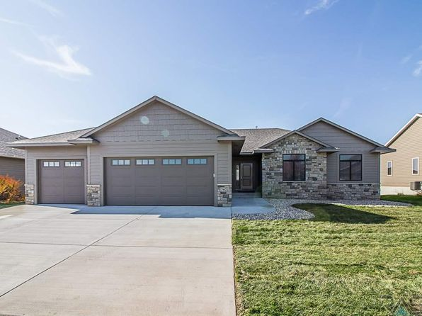 3 bed 2 bath Single Family at 7401 S Heatherridge Ave Sioux Falls, SD, 57108 is for sale at 425k - 1 of 26