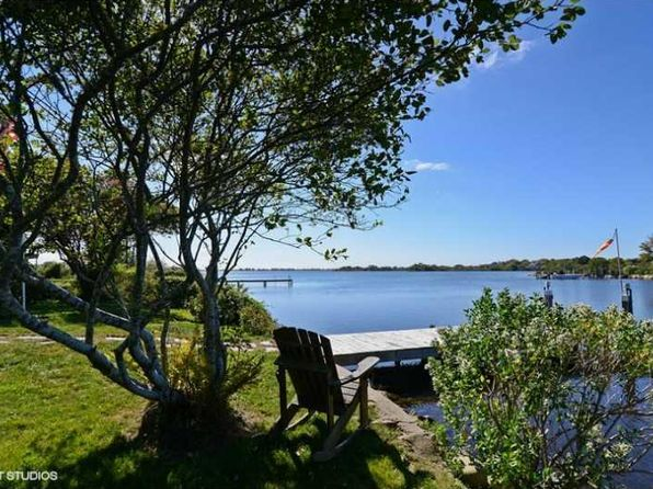 2 bed 1 bath Single Family at 25 Mallard Dr South Kingstown, RI, 02879 is for sale at 486k - 1 of 19