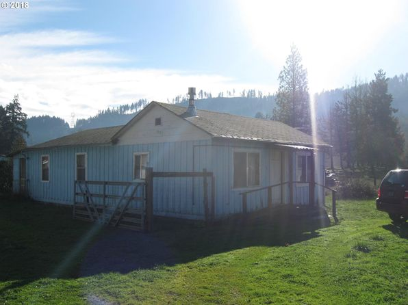 2 bed 1 bath Single Family at 130 East Ave Sutherlin, OR, 97479 is for sale at 99k - 1 of 12
