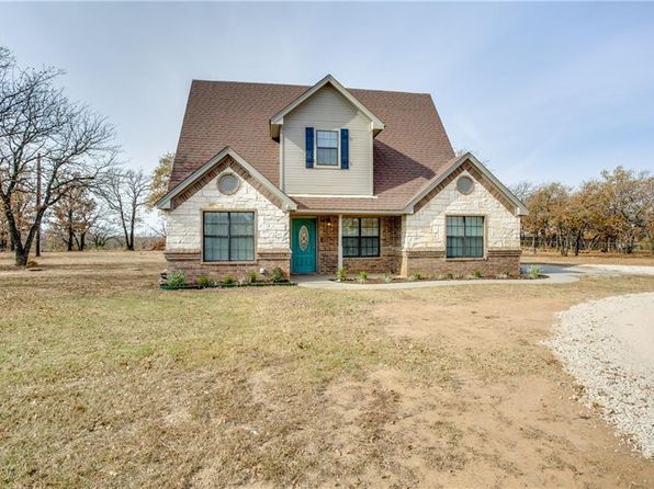 3 bed 3 bath Single Family at 1899 COUNTRY CLUB RD Bowie, TX, null is for sale at 170k - 1 of 36