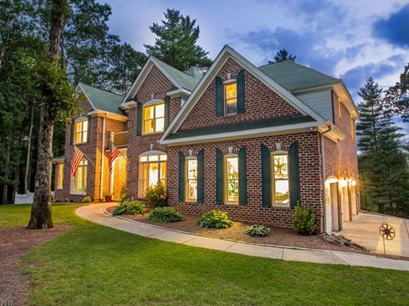 4 bed 4 bath Single Family at 54 Woodcrest Brevard, NC, 28712 is for sale at 550k - 1 of 23