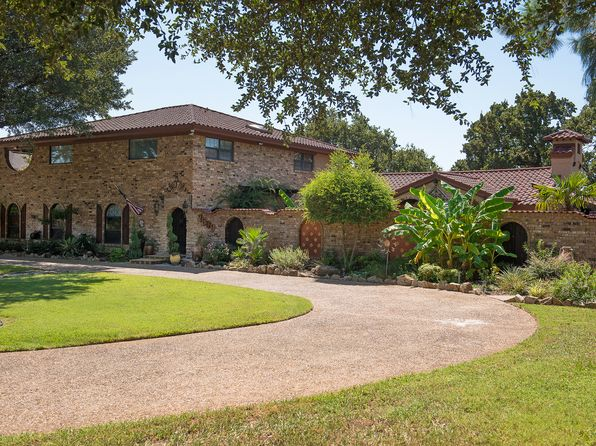 4 bed 3 bath Single Family at 7609 Douglas Ln North Richland Hills, TX, 76182 is for sale at 783k - 1 of 36
