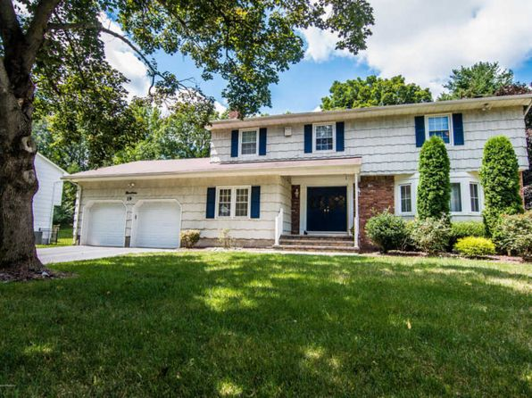 4 bed 3 bath Single Family at 19 Kensington Dr Manalapan, NJ, 07726 is for sale at 565k - 1 of 44