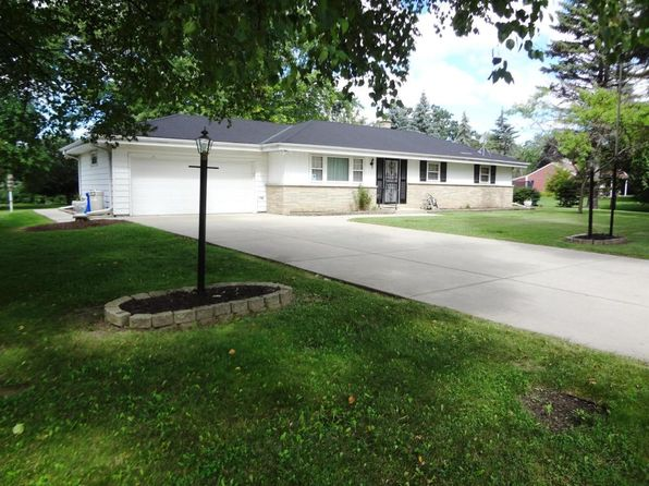 3 bed 3 bath Single Family at 2635 N 124th St Brookfield, WI, 53005 is for sale at 235k - 1 of 21