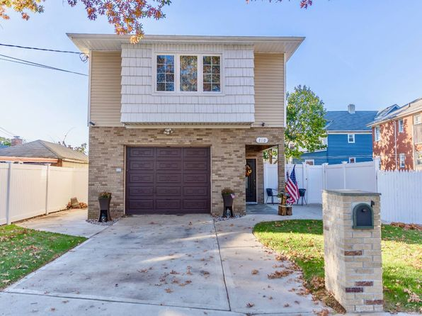 3 bed 2 bath Single Family at 150 Benton Ave Staten Island, NY, 10305 is for sale at 669k - 1 of 24