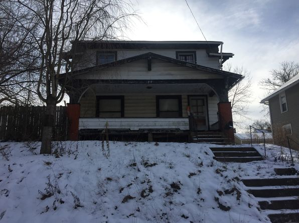 3 bed 1 bath Single Family at 217 EDWIN AVE SE MASSILLON, OH, 44646 is for sale at 12k - 1 of 8