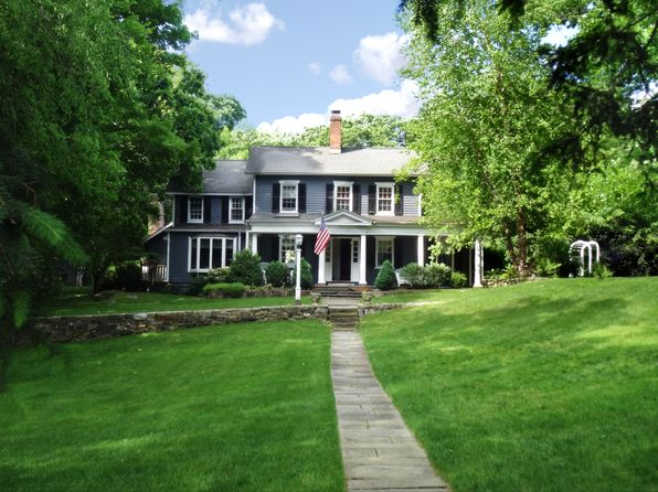 4 bed 3 bath Single Family at 47 Locust Hill Rd Darien, CT, 06820 is for sale at 1.25m - google static map
