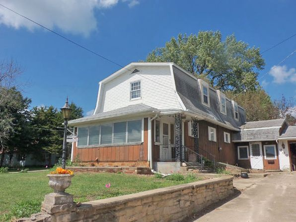 3 bed 2 bath Single Family at 702 S 4th St Ashton, IL, 61006 is for sale at 40k - 1 of 16