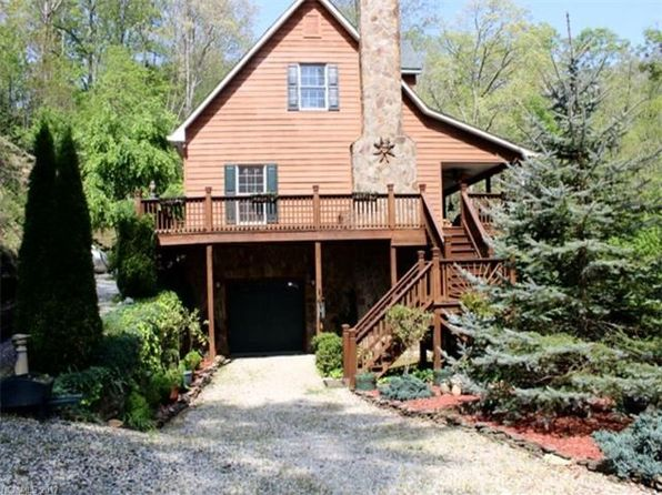 3 bed 3 bath Single Family at 1090 Pigeon Creek Rd Bryson City, NC, 28713 is for sale at 315k - 1 of 24