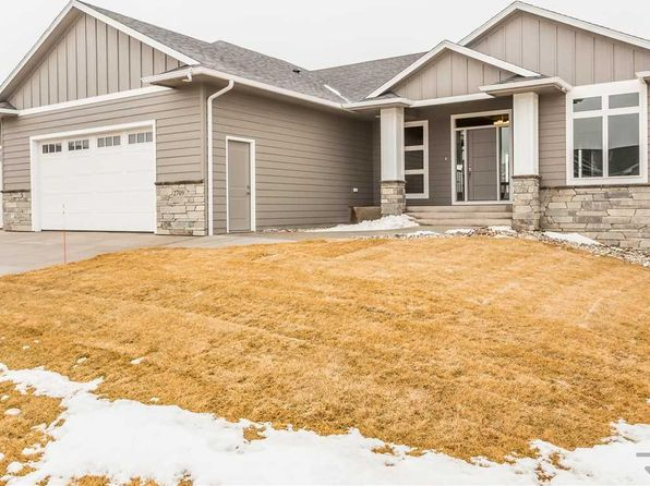 5 bed 3 bath Single Family at 2709 S Moss Stone Ave Sioux Falls, SD, 57110 is for sale at 480k - 1 of 27