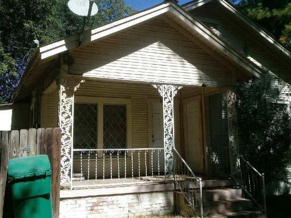3 bed 2 bath Single Family at 303 E Thomas St Atlanta, TX, 75551 is for sale at 46k - 1 of 6