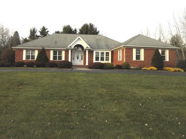 3 bed 3 bath Single Family at 37 Browns Path Queensbury, NY, 12804 is for sale at 475k - 1 of 4