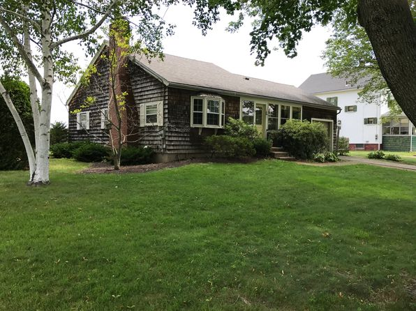 2 bed 1 bath Single Family at 10 North St Hatfield, MA, 01038 is for sale at 240k - 1 of 32