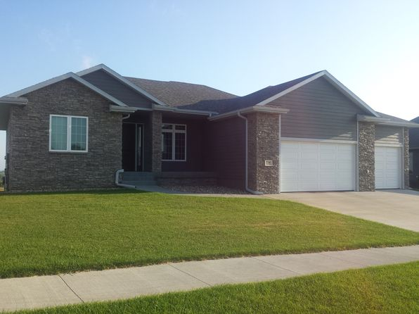 3 bed 2 bath Single Family at 6580 PALM VALLEY DR SIOUX CITY, IA, 51106 is for sale at 350k - 1 of 9
