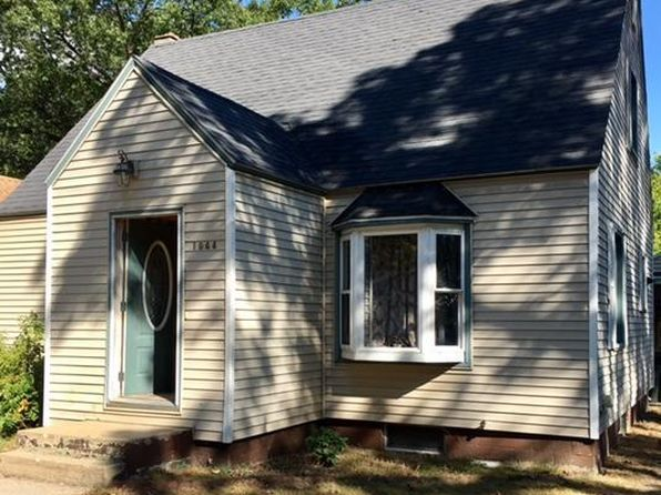 5 bed 1 bath Single Family at 1944 Continental St Muskegon, MI, 49442 is for sale at 70k - 1 of 13