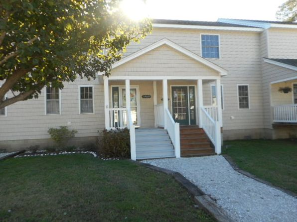 2 bed 3 bath Townhouse at 6478 Coachs Ln Chincoteague, VA, 23336 is for sale at 175k - 1 of 14