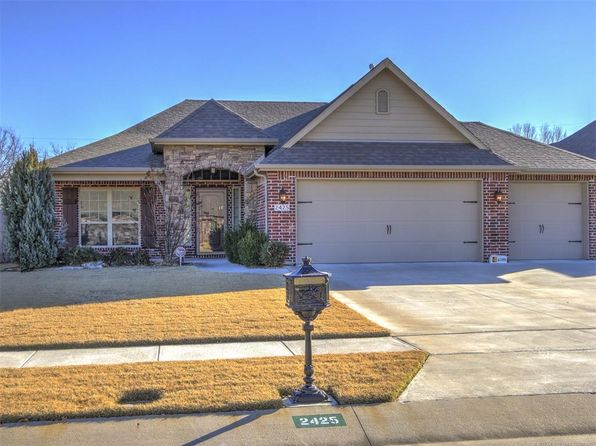 3 bed 3 bath Single Family at 2425 S 17th St Broken Arrow, OK, 74012 is for sale at 235k - 1 of 27