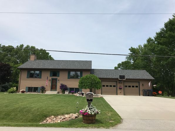 3 bed 2 bath Single Family at 3720 Mueller Rd Sheboygan, WI, 53083 is for sale at 229k - 1 of 17