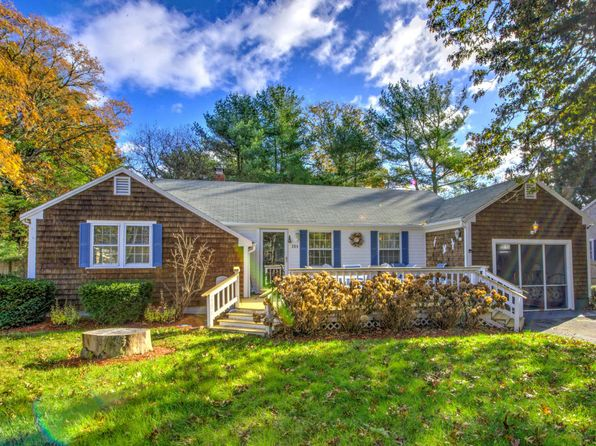 2 bed 1 bath Single Family at 284 Trotting Park Rd West Dennis, MA, 02670 is for sale at 299k - 1 of 26