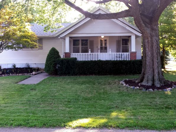 3 bed 3 bath Single Family at 504 S West Union St Monticello, IL, 61856 is for sale at 160k - 1 of 13
