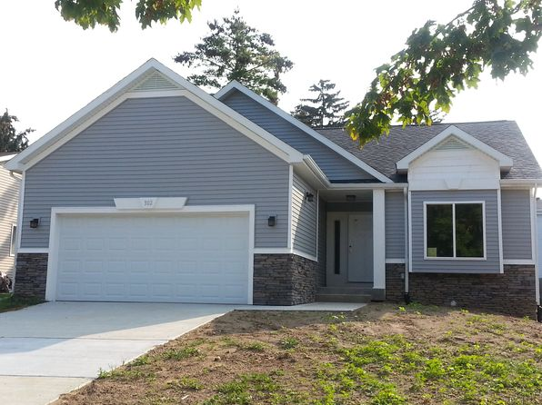 2 bed 2 bath Single Family at 302 N Scott St Dewitt, MI, 48820 is for sale at 206k - 1 of 4