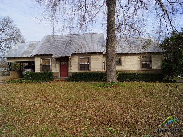 2 bed 1 bath Single Family at 208 W 1st St Mt Enterprise, TX, 75681 is for sale at 220k - 1 of 14