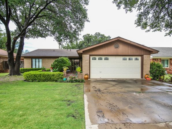 2 bed 2 bath Townhouse at 4806 63rd St Lubbock, TX, 79414 is for sale at 130k - 1 of 30