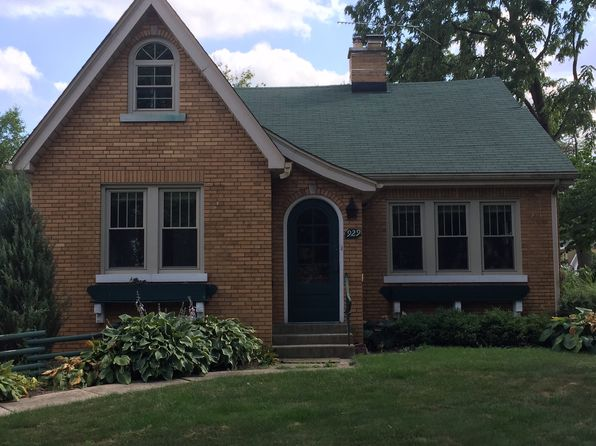 2 bed 1 bath Single Family at 929 Chicago Ave Downers Grove, IL, 60515 is for sale at 385k - 1 of 5