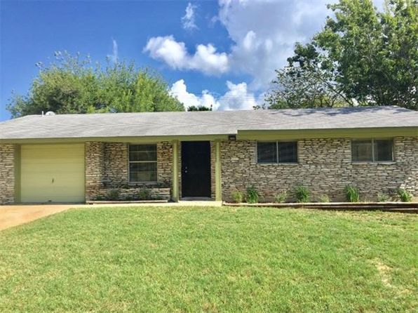 3 bed 2 bath Single Family at 2102 Vanderbilt Ln Austin, TX, 78723 is for sale at 315k - 1 of 29