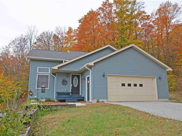 4 bed 3 bath Single Family at 10641 Derby Ln Beulah, MI, 49617 is for sale at 225k - 1 of 60