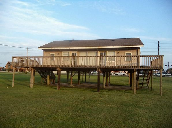 1 bed 1 bath Single Family at 16606 JAMAICA BEACH RD JAMAICA BEACH, TX, 77554 is for sale at 269k - 1 of 12