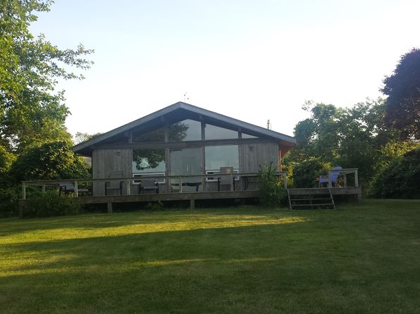 3 bed 2 bath Single Family at 108 Old West Lake Dr Montauk, NY, 11954 is for sale at 2.30m - 1 of 5