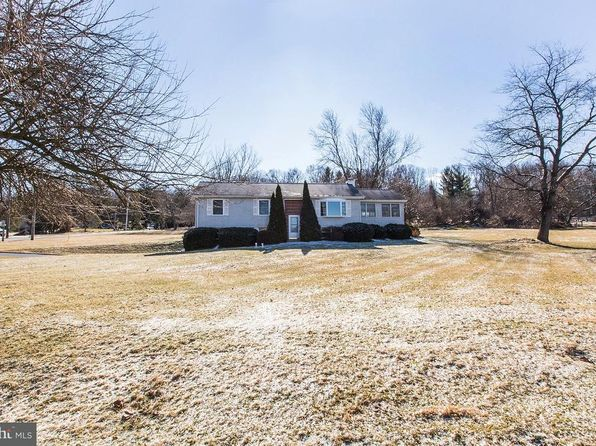 3 bed 1 bath Single Family at 5680 Umbletown Rd Gap, PA, 17527 is for sale at 330k - 1 of 47